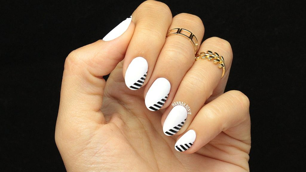 Tutorial: Minimal Monochrome Nails