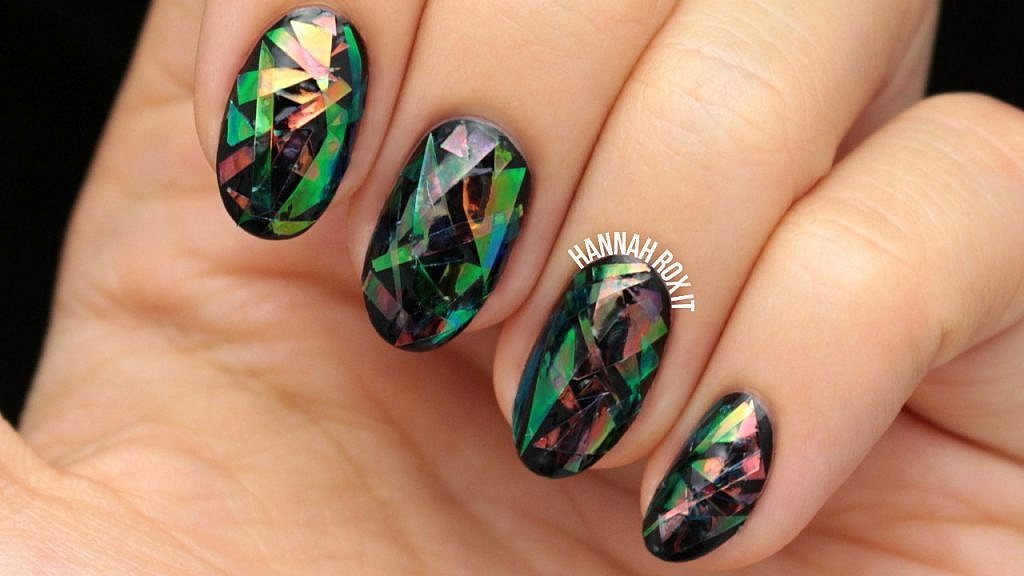 Tutorial: Shattered Glass Nail Art